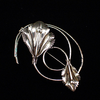 Coro Pegasus Large Sterling Lily Flower Brooch Pin
