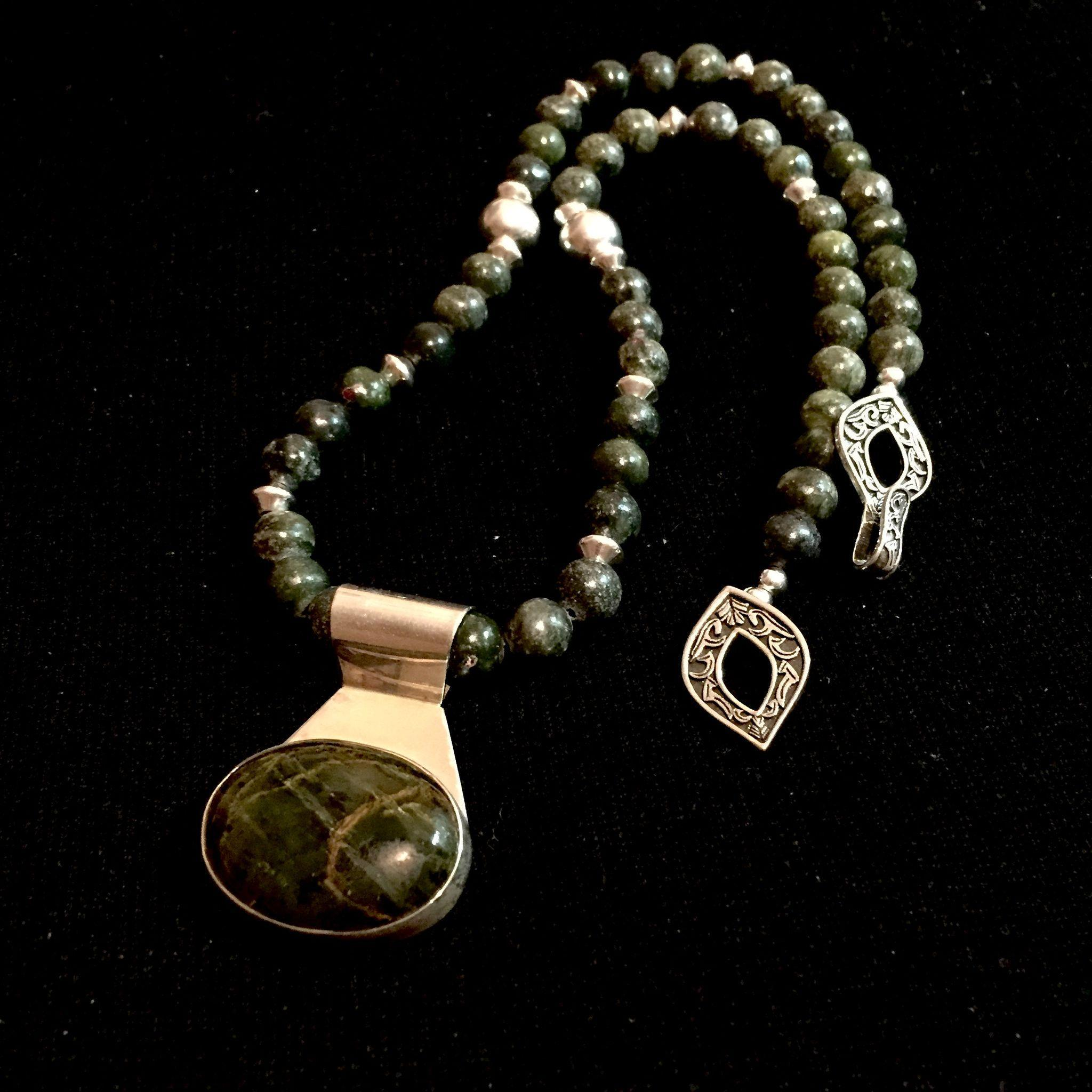 Green Agate and Sterling Silver Necklace, 22 Inches