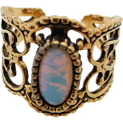 Vintage Sarah Coventry Wide Filigree Opalescent Glass Stone Ladies Ring