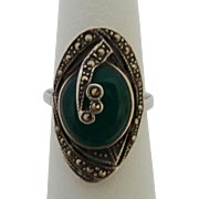 Vintage Sterling Silver Opaque Green Stone Marcasite Ring Size 6