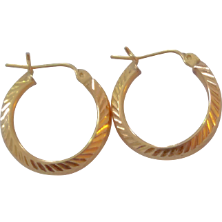 Classic 14k Yellow Gold Textured Hoop Earrings