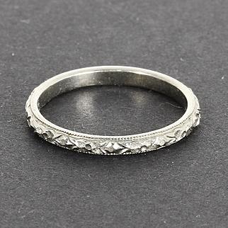 Beautiful Art Deco 18k 18 Karat White Gold Wedding Band Ring