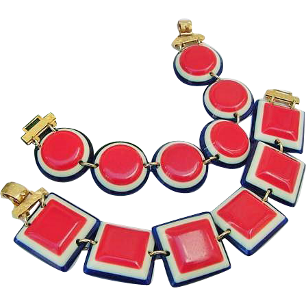 BG177 Bright Patriotic Red White Blue Plastic Chunky Squares & Rounds Bracelet Set Vintage