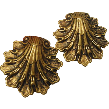 Antique Edwardian Art Nouveau Brass Clamshell Repousse Sash Dress Fur Clips Set
