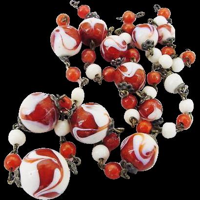 BG82 Art Deco Venetian Murano or Czech Art Glass Rust Orange Swirl and White Marbled Graduated Bead Vintage Necklace