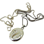 BG65 Sterling Silver Etched Oval Photograph Locket on 925 Sterling ADG Italy 24inch Box Chain