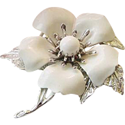 BG397 Vintage Sarah Coventry White Enamel Layered Flower Glass Brooch Pin Sarah Cov