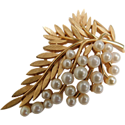 Vintage Crown Trifari Faux Pearl 2.5 Inch Leaf Grape Fruit Brooch Pin