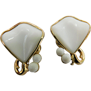 Vintage Crown Trifari White Plastic Fan & Cabs Clip On Earrings in Gleaming Gold Tone Plating