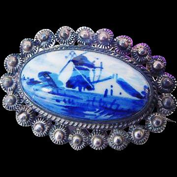 BG216 Vintage Hand Painted DELFT Blue & White Cannetille Sterling Silver Brooch Pin Pastoral Scene