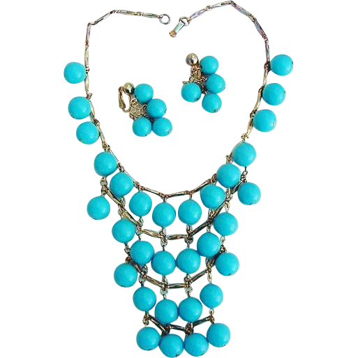 BG107 Runway Bib Style Faux Turquoise Beads & Gold Tone Necklace choker & Clip Dangle Earrings Vintage