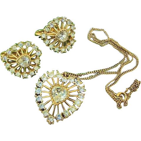 BG93 Crown Trifari Hearts Vintage Necklace Pendant Earrings Ice Rhinestone Demi Parure Set