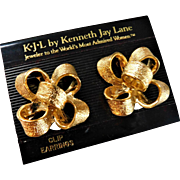 Kenneth Jay Lane KJL Clip On Bowtie Ribbon Bow 3D Large 1.30inch Bold Earrings Gold On Card