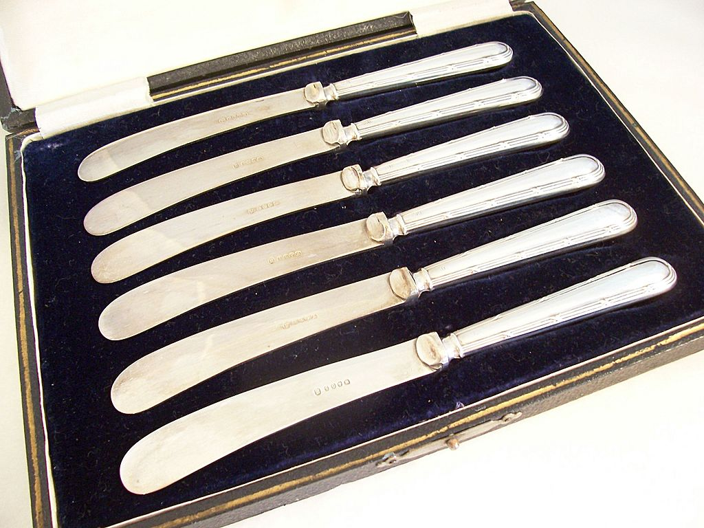 Lovely Cased Set of Victorian Sterling Handled Spreaders - 1893