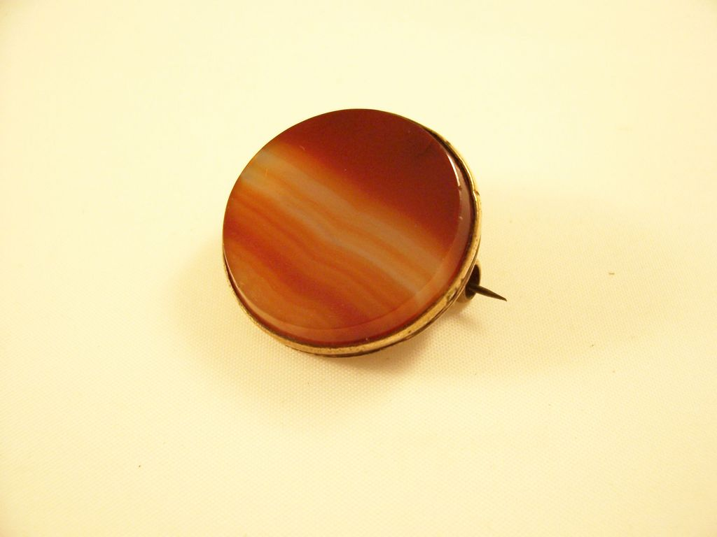 Sweet Victorian Banded Agate Brooch - probably Scottish
