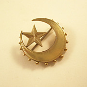 Lovely Victorian Star and Crescent Moon Brooch - 9ct gold