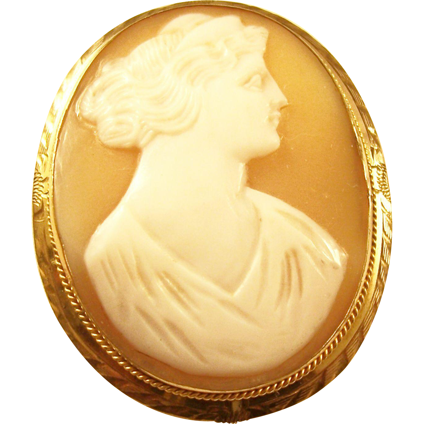 Lovely Vintage Carved Cameo Brooch in Gold Filled Mount - English
