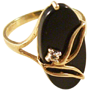 Vintage Onyx Ring with pinpoint diamond - 10kt gold, size 8