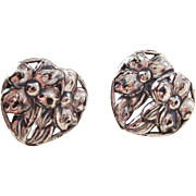 Nice pair of vintage sterling DANECRAFT screwback earrings - hearts and flowers