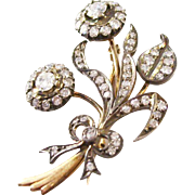 Estate Piece - Exquisite Bouquet of Flowers brooch - 14kt yellow and white gold - Diamonds