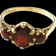 Sweet Vintage Bohemian Garnet Ring - 9ct gold - size 8.5