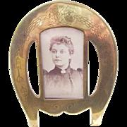 Wonderful Victorian Brass Photo Frame - all original - Horse Shoe
