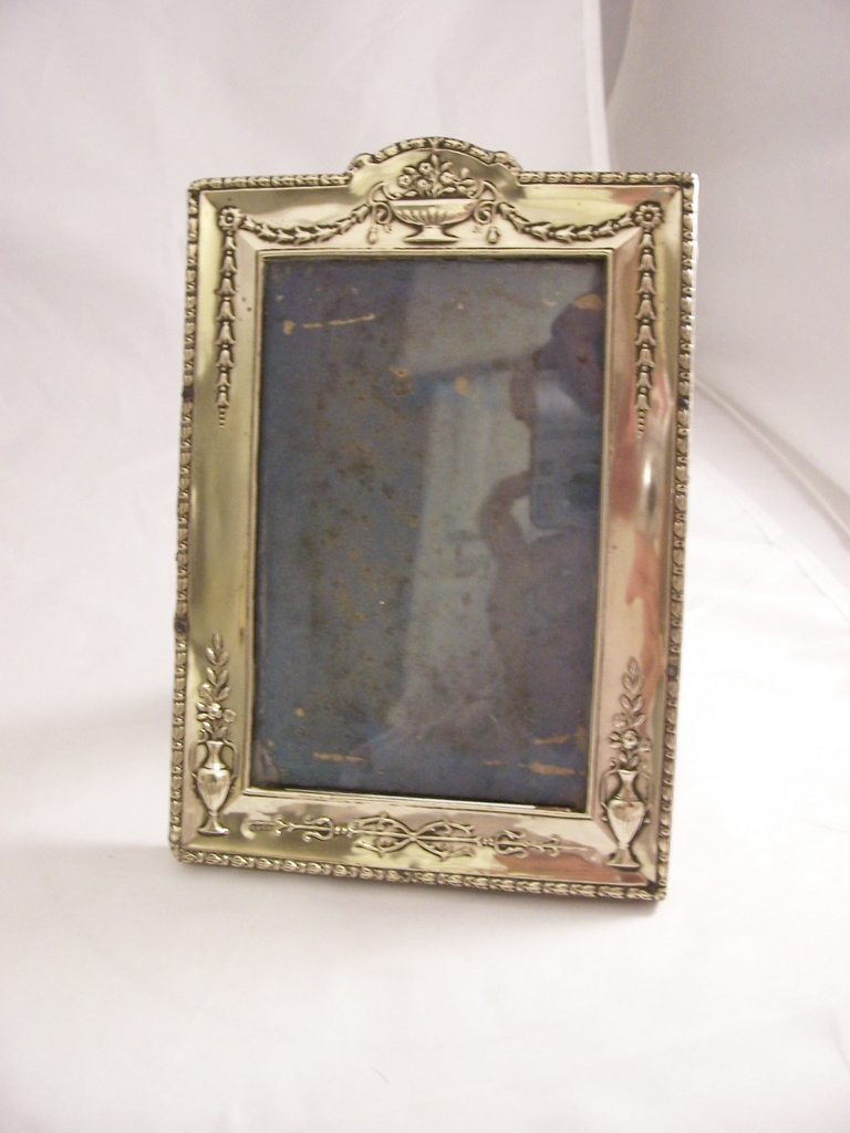 Pretty Edwardian Silverplate photo frame - EPNS - free shipping