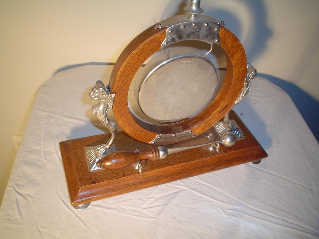 Great Quartersawn Oak  Winged Griffin Dinner Gong