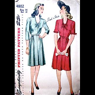 Simplicity 4802, Misses Dress Pattern, Vintage 1940s, Factory Folded, Size 14, Gathered Skirt, Oval Neckline