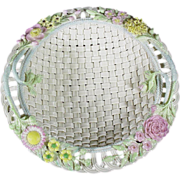 Rare and Exquisite Belleek Round Basket No. 8, No 582, circa 1955-1979, Fermanagh