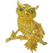 18 Karat Yellow Gold OWL Brooch with EMERALD EYES.