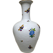 HEREND Porcelain Large Queen Victoria Vase (11 inches) - Graceful, Elegant and Exquisite