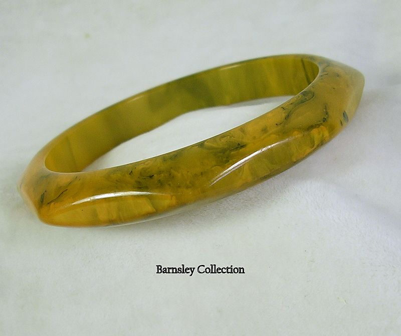 Vintage Golden Mustard and Dark Green Bakelite Bangle Bracelet – Beautiful!