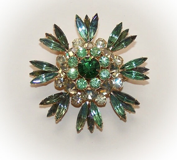1960s COSTUME - Judy Lee Gold Tone/Green Rhinestone Pin/Brooch!