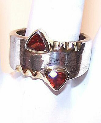 Vintage STERLING SILVER & Garnet Fashion Ring - Modernistic Design!