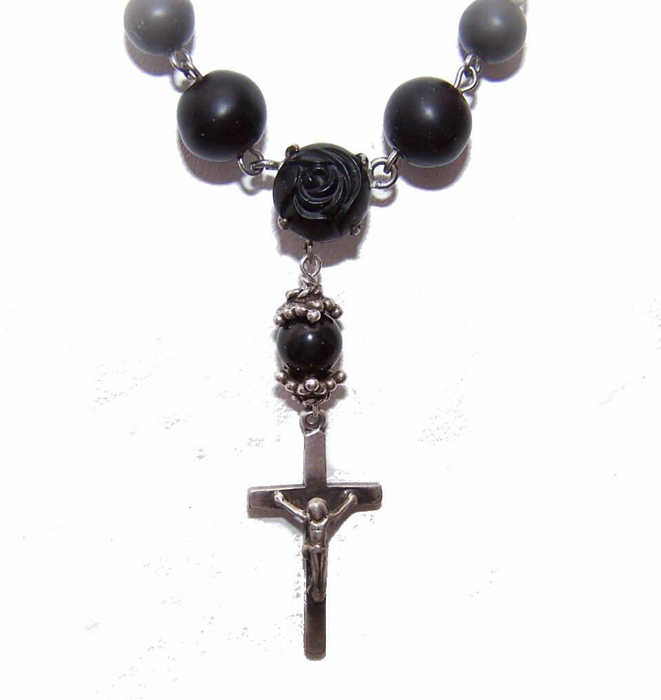 Vintage Silver Tone Metal & Black Bead Floral/Cross Necklace!