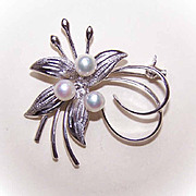 1960s STERLING SILVER & Akoya Cultured Pearl Pin/Brooch!