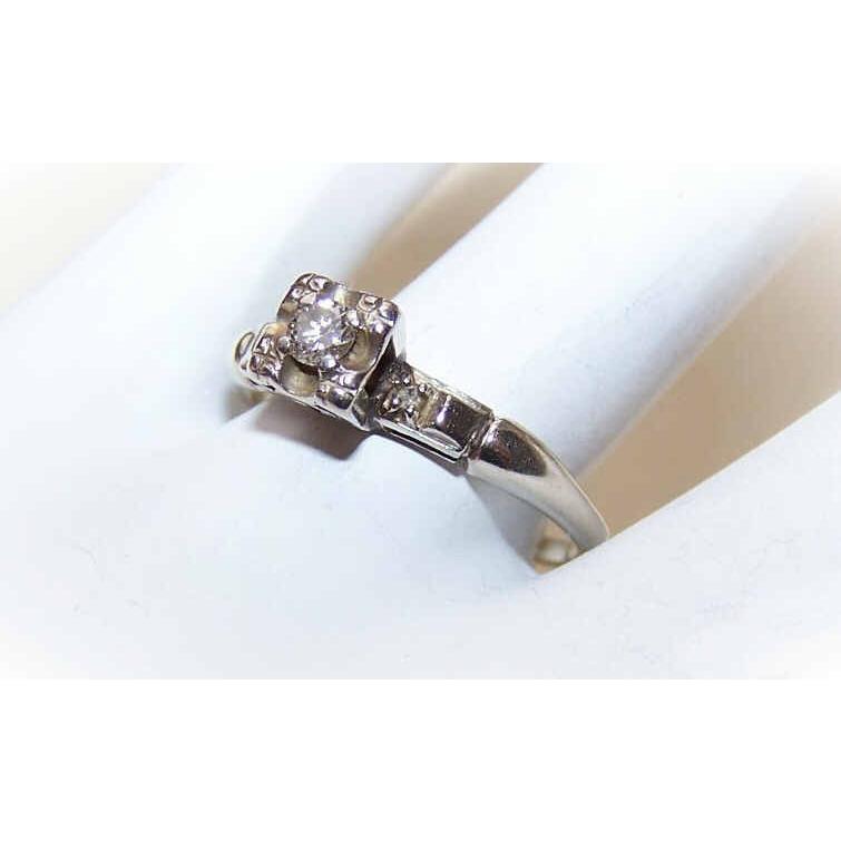 Retro Modern 14K Gold & .11CT TW Diamond Engagement Ring!