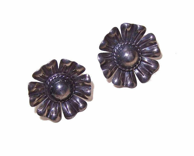 Vintage STERLING SILVER Earrings - Large Floral Rounds!