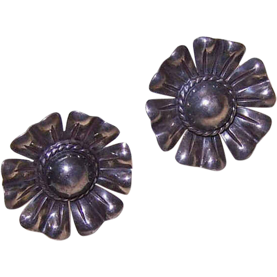 Vintage STERLING SILVER Screwback Earrings - Large Floral Rounds