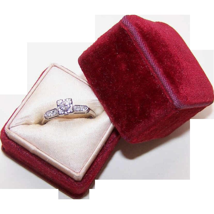 1950s 14K Gold & .15CT Diamond Engagement Ring w/ .04CT TW Shoulder Stones!