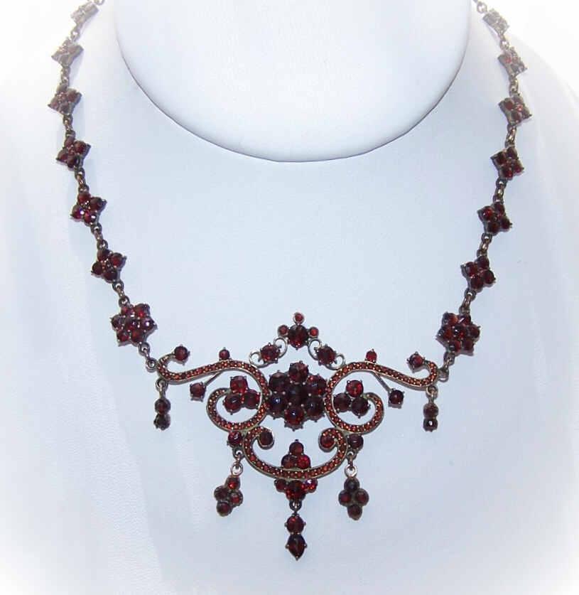 ANTIQUE VICTORIAN Bohemian Garnet & Silver Gilt Necklace!