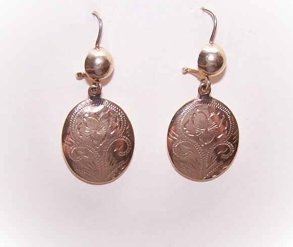 Vintage 14K Gold Etched Drop Earrings for Pierced Ears!