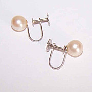 Vintage 14K Gold & 6.8mm Cultured Pearl Earrings!