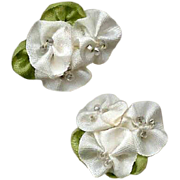 6 AMERICAN Hand Made WHITE Silk Ribbon & Bead Floral Applique/Embellishment!