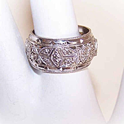 Breathtaking VINTAGE 14K Gold Filigree Wedding Band!