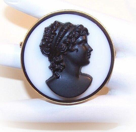 Lovely ANTIQUE EDWARDIAN Gold Filled and Black & White Glass Cameo Pin/Brooch!