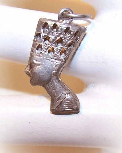 Vintage STERLING SILVER Pendant Charm of Queen Nefertiti of Egypt