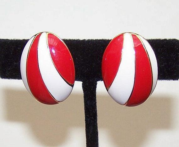 MOD 1960s NAPIER Gold Tone & Red/Cream Enamel Clip Earrings!