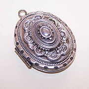 Large ANTIQUE VICTORIAN Silver Tone Metal Locket Pendant!